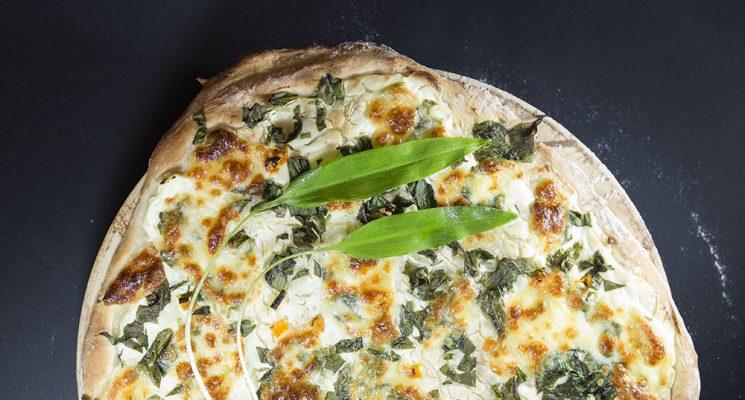 Bärlauch ist lecker. Pizza auch. Beides zusammen der Knaller.